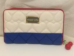 NWT Betsey Johnson RED WHITE BLUE Puffy Quilted HEARTS Walle